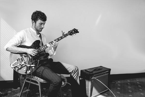 Michael mcaleavy wedding Guitar (003) web